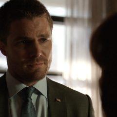 Arrow Season 8 screenshot 9
