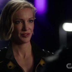 Arrow Season 8 screenshot 2