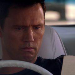 Burn Notice Season 1 screenshot 9
