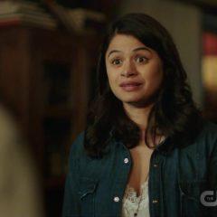 Charmed Season 1 screenshot 4