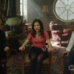 Charmed Season 1 screenshot 7