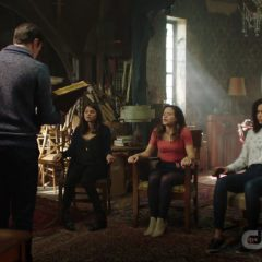 Charmed Season 2 screenshot 7