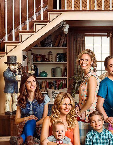 Fuller House tv series poster