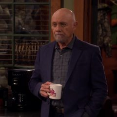Last Man Standing Season 7 screenshot 3