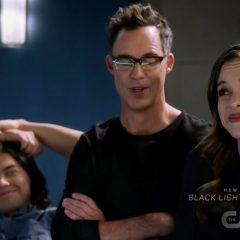 The Flash season 4 screenshot 3