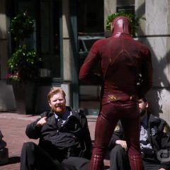 The Flash Season 5 screenshot 10