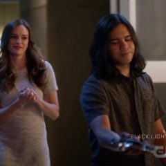 The Flash Season 5 screenshot 5