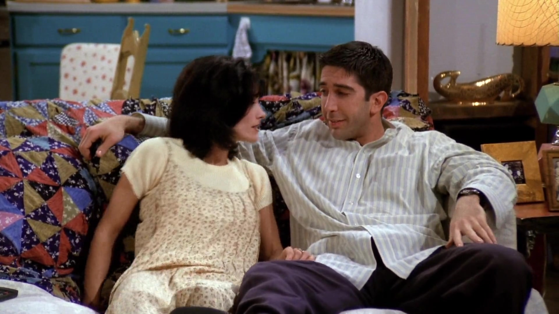 Friends TV show  List of all seasons available for download