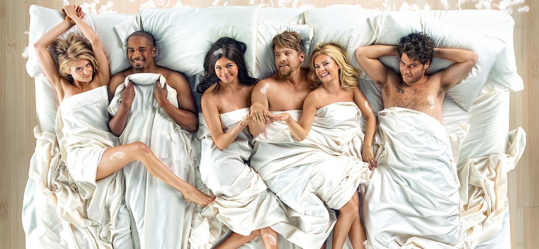 Happy Endings Season 1 tv series Poster